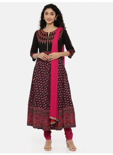 Neeru'S Black Color, Cotton Fabric 3/4 Sleeves Suit-Anarkali
