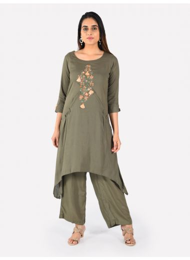 Neerus Women Olive Green Solid Kurta With Trousers With Embroidered Detailing