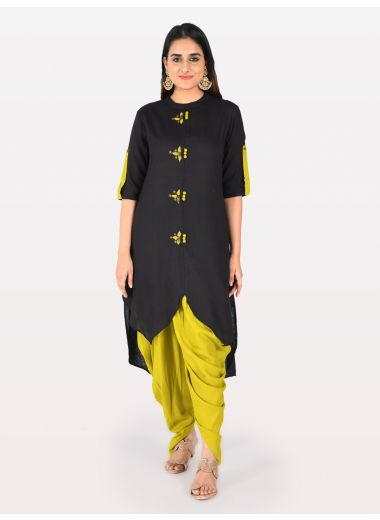 Neerus Women Black  Yellow Solid Straight Kurta